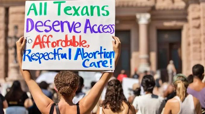 Juiz suspende lei ultraconservadora antiaborto Texas EUA
